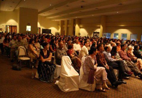 hasya_kavi_audience1.jpg